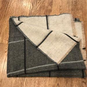 NWOT Zara blanket Scarf